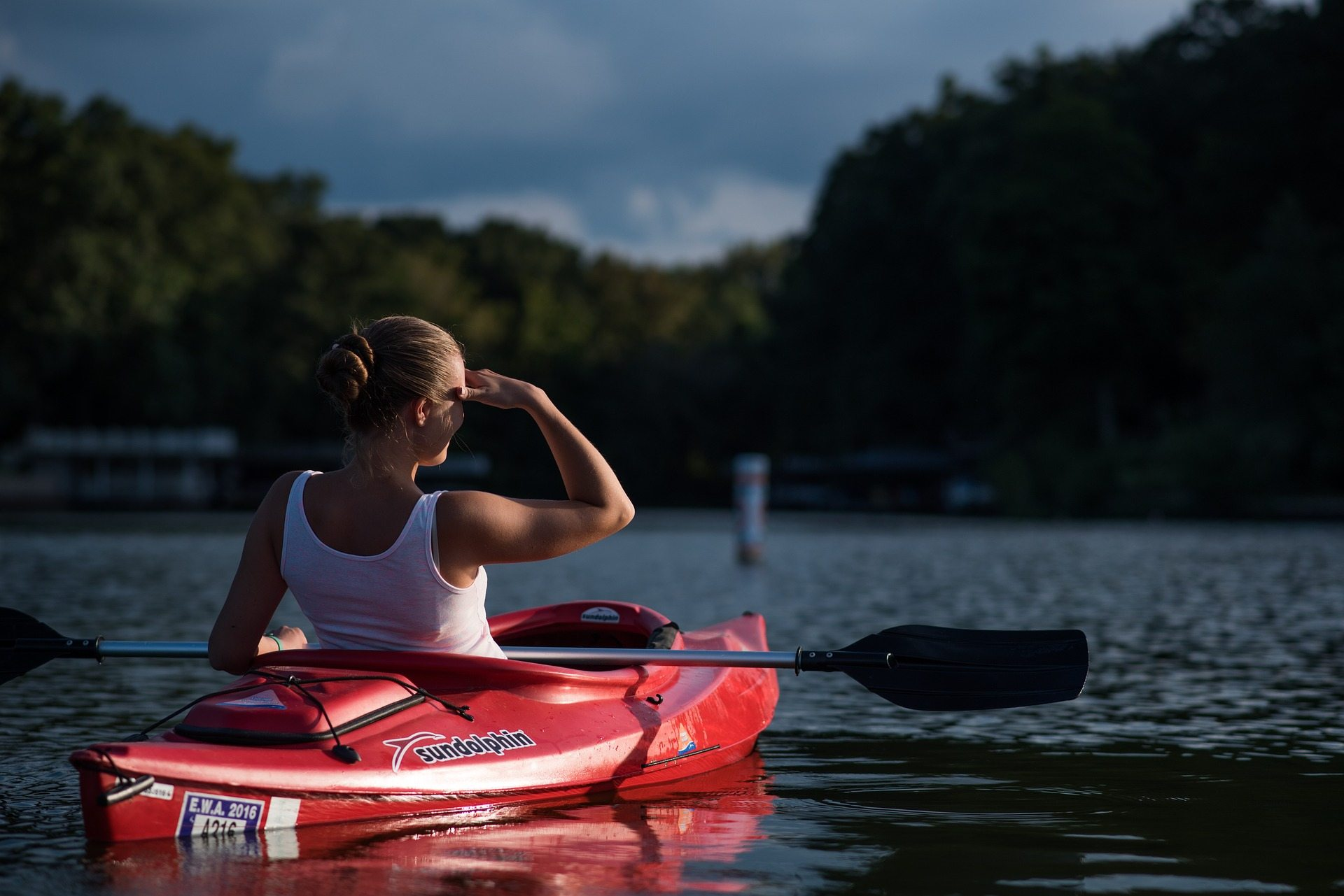 Chica canoa